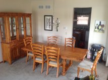 Table and chairs in Tinley Park, Illinois