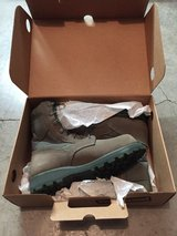 THOROGOOD BOOTS SIZE 8 R *New* in Travis AFB, California
