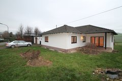 Dingdorf~ Pet Friendly 5 Bed/ 2.5 Bath House in Spangdahlem, Germany
