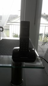 *REDUCED* 220v house phone with answering machine in Spangdahlem, Germany
