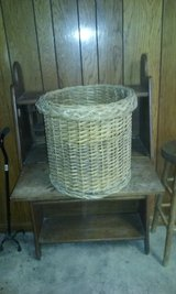 huge basket in Alamogordo, New Mexico