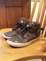 Youth Boys Men's Size 7 Adidas Play Condition in Lockport, Illinois