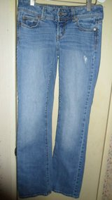 size 4 American eagle jeans in Clarksville, Tennessee