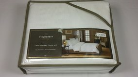 Fieldcrest Luxury Queen 3 Piece Duvet Cover Set in Tinley Park, Illinois
