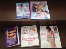 Pregnancy book baby name book super baby food book and others in Yongsan, South Korea