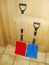Extendable handle snow shovel - great for kids or car in Ramstein, Germany