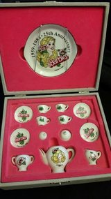 25th Anniversary Miniature 14 Piece Teapot Set in Fort Campbell, Kentucky