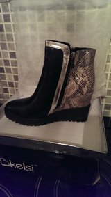 womans girls brand new boots size 5 in the box in Lakenheath, UK