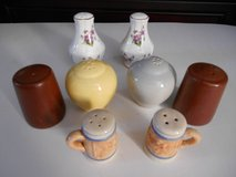 4 Sets of Salt/Pepper Shakers Brown, Yellow/Gray, White. Mugs in Phoenix, Arizona