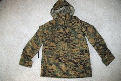USMC WOODLAND MARPAT APEC PARKA RAIN COAT GORE-TEX in Camp Pendleton, California