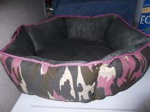 DOG BED NEW in Cherry Point, North Carolina