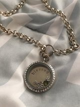 Origami owl lrg bling locket and chain worn 2x in Oswego, New York