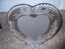 HEART FRAME WITH RIBBONS     NIB in Cherry Point, North Carolina