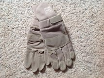 USMC Camelbak Gortex Gloves in Camp Lejeune, North Carolina