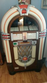 Wurlitzer 1015 OMT Jukebox in Fort Leonard Wood, Missouri