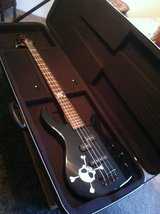 Fender Squier MB-4 Skull and Crossbones Bass Guitar- in Excellent Condition! in Beaufort, South Carolina