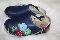 Hanna Anderson Girl's Swedish Black Flower Clogs in Naperville, Illinois