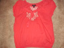 Ladies Nine West size L top in Fort Benning, Georgia