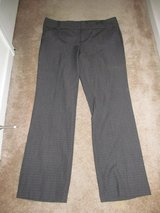 Daisy Fuentes size 14 ladies pants in Fort Benning, Georgia