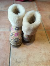 Ugg Boots Size 9 in Ramstein, Germany