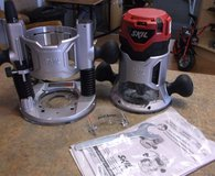 Skil 2-1/4 Combo Base Router Kit with Soft Carry Bag 1830 New Condition in Alamogordo, New Mexico