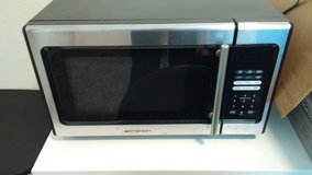 Reduced! Counter Top Microwave Oven in Baytown, Texas