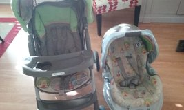 ****WINNIE THE POOH GRACO STROLLER + CAR SEAT AND BASE **** in Houston, Texas
