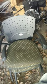4 stackable office chairs in Fort Leonard Wood, Missouri