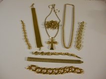 Vintage Gold Tone Jewelry  9 pieces Elegant in Phoenix, Arizona