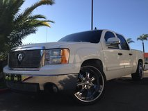2007 GMC SIERRA Custom in Fort Irwin, California