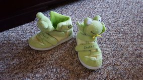 Skechers Frog ankle boots shoes kids size 10 in Fort Bliss, Texas