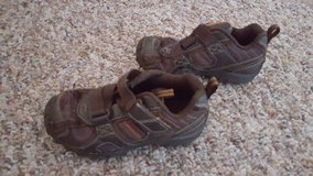 2 pairs of Stride and ride leather sneakers shoes boys 10 wide in Fort Bliss, Texas
