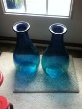 Green / Blue / Multi-Color Vases in Fort Campbell, Kentucky