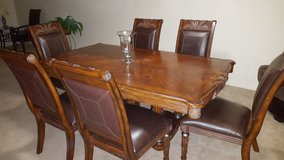 Dining table/chairs in Oceanside, California