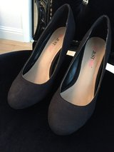 Black Heels size 6 in Travis AFB, California