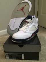 Jordan 5 Independence Days size 9 in Naperville, Illinois