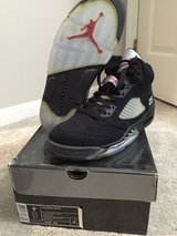 Jordan 5 black metallic size 9.5 in Naperville, Illinois