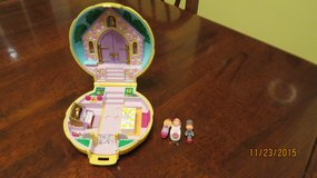 "*Wanted* Vintage Polly Pockets 1"" dolls & Compacts or 1"" Dolls in Macon, Georgia"