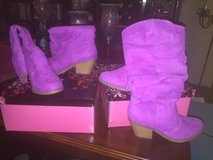 I have 2 pair of these size 6 magneta boots.  Prettier in person in Fort Bliss, Texas