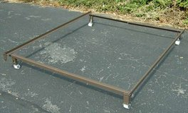 Full / Queen metal bed frame IN LIKE NEW CONDITION in Yucca Valley, California