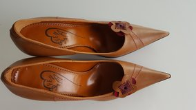 Beautiful Italian women leather shoes new in Grafenwoehr, GE