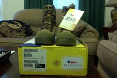 (Brand (New in the box with tag) Mountain Combat Boot Belleville (8R) Coyote Brown in Virginia Beach, Virginia