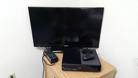 """32"""" HD Tv and Xbox One.. Like New. in Camp Casey, South Korea"""