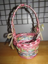 Very Pretty Wicker Easter Basket~Reduced in Chicago, Illinois