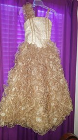 Size 12 evening gown in Fort Leonard Wood, Missouri