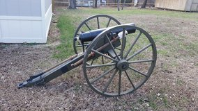 Full Scale CIVIL WAR Howitzer cannon in Fort Leonard Wood, Missouri
