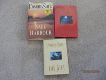 Danielle Steel Hardcover Books in Joliet, Illinois
