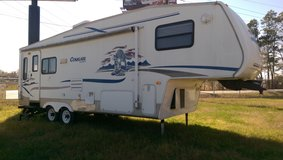 Cougar 5th Wheel Slide Out in Conroe, Texas