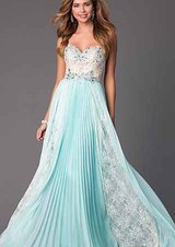 Prom/formal gown in Beaufort, South Carolina