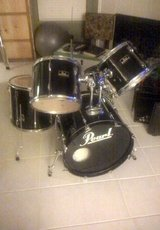 Black Pearl Drum Set in Baytown, Texas